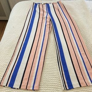 Pants - Striped palazzo pants !